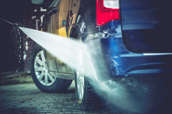 high pressure water spray car cleaning