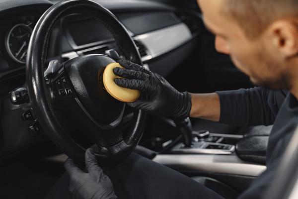 mobile interior car detailing sponge cleaning